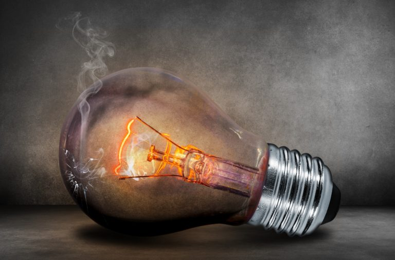 hittereactie lamp nagelstylisten